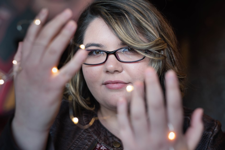 senior portrait with fairy lights, Babs Mullinax, me and grace, me & grace, Fort Wayne photographer, photo gifts, lifestyle photography, family photos, ideas for family photos, indoor photography, fun family photographer, long-distance family, senior photography