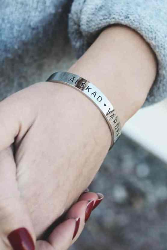 Stålarmband:: Älskad, värdefull, dyrbar