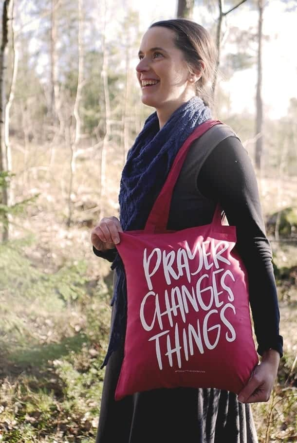 TYgkasse i cranberry: Prayer changes things