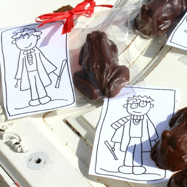Make your Own Chocolate Frogs and Wizard Cards