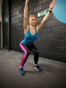 Overhead Squat - knees cave in