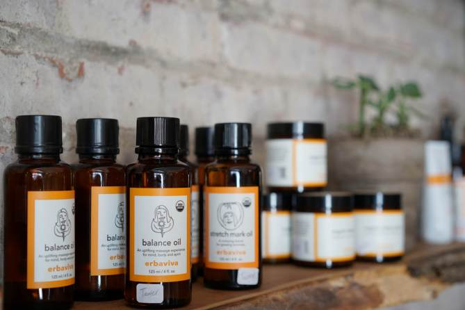 erbaviva-all-natural-botanical-products-for-the-skin_23491720884_o
