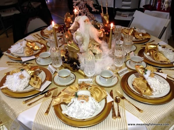 1-#christmas #table #decorations #decorating ideas #diningroom-001