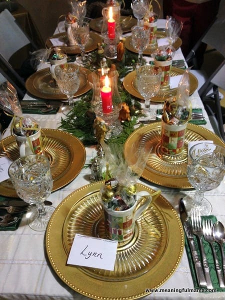 1-#christmas #table #decorations #decorating ideas #diningroom-004