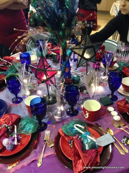 1-#christmas #table #decorations #decorating ideas #diningroom-017