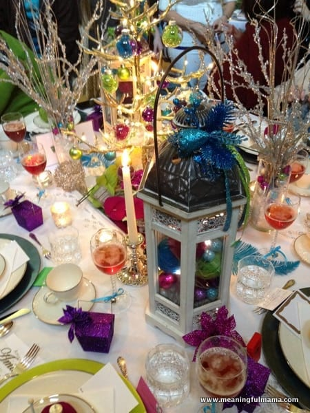1-#christmas #table #decorations #decorating ideas #diningroom-018
