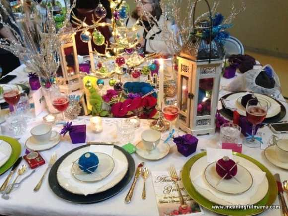 1-#christmas #table #decorations #decorating ideas #diningroom-019