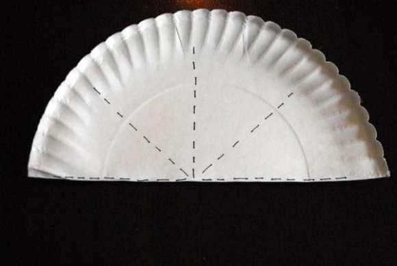 1-#paper plate crown #cubbies bear hug 10 #AWANA crafts-005