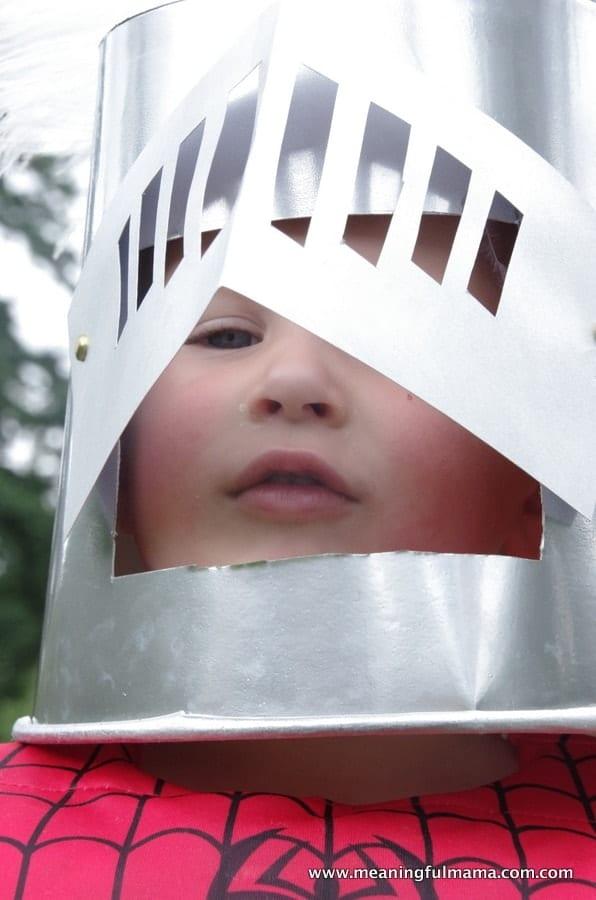 1-diy knight helmet popcorn container May 29, 2014, 1-057