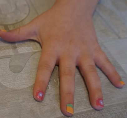 FabLab Nail Art #kids #kidscrafts #nailart #nails #colours #childrencraft #fablab