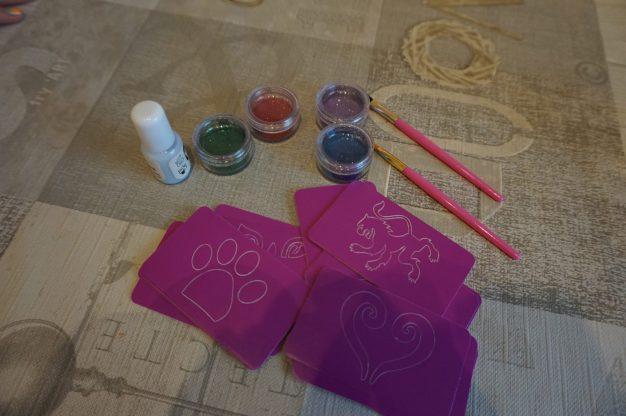FabLab Glitter tattoo kit #interplay #kidscrafts #childrencrafts #glittertattoo #glitter #fablab