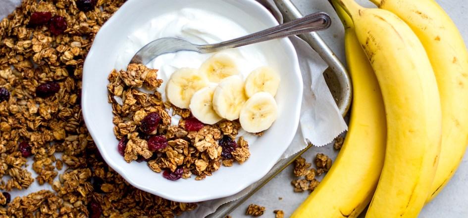 image of bowl of granola with bananas and yogurt