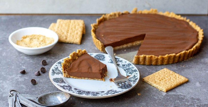 Chocolate tofu pie on plate