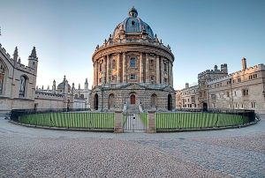 800px-Radcliffe_Camera,_Oxford_(6263271240)