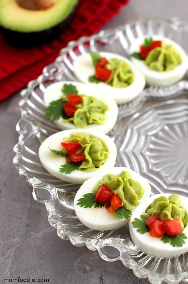 christmas-deviled-eggs-christmas-appetizer