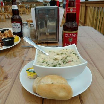 seafood chowder with bun at chowder hut restaurant