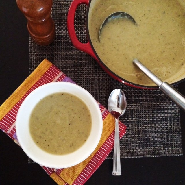 "Low Carb ""Potato"" Leek Soup 