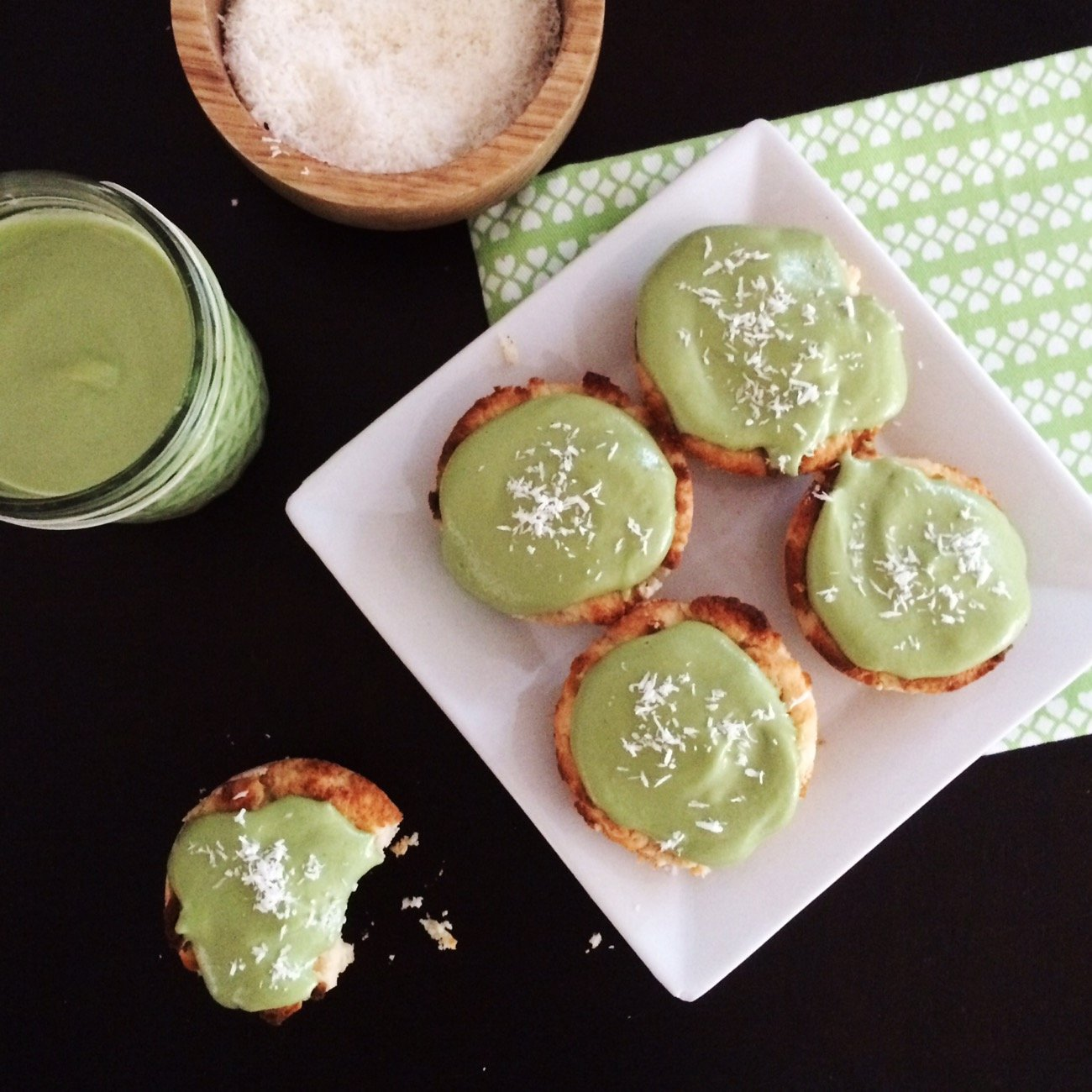 Low Carb Vegan Cupcakes – Matcha Coconut!