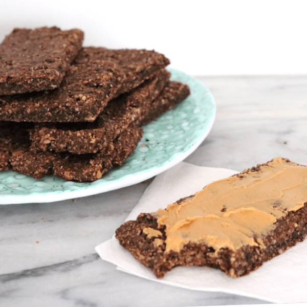 Low Carb Vegan Protein Bars | Meat Free Keto - These chocoate low carb vegan protein bars are gluten free, nut free and soy free and contain just 1.4g of net carbs per serving!