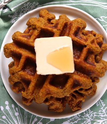 Vegan Keto Pumpkin Spice Protein Waffles | MeatFreeKeto.com - these gluten-free, coconut-free, soy-free and nut-free pumpkin spice waffles are easy to make and warm up any fall day!