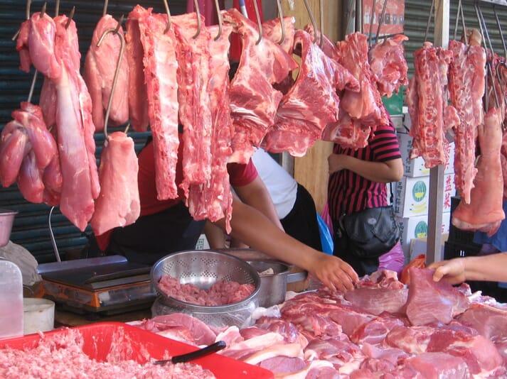 Тайвань відкладає референдуми щодо свинини