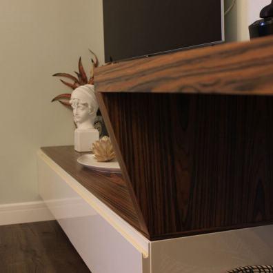 шпонированная столешница толщиной 50 мм в гостиную