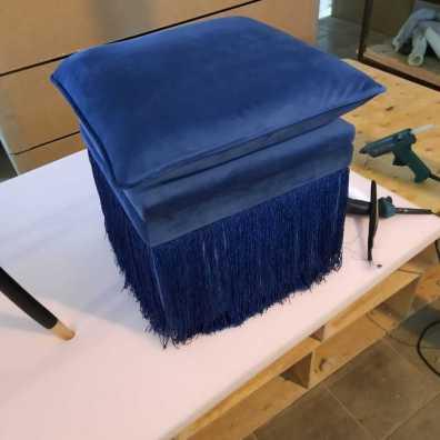 Авторский пуф с подъемной крышкой и съемной подушкой.