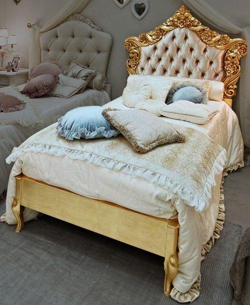 Кровать 100x200 с обивкой капитоне сусальным золотом