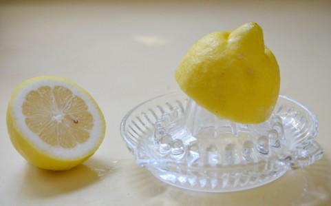 レモン汁とポッカレモンの違いとは?それぞれ代用できる?賞味期限についてもご紹介!