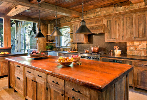 Деревянная кухонная мебель: комфорт и респектабельность.