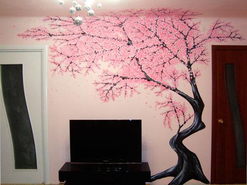 Если владельцы квартиры позволяют, стены можно украсить живописью