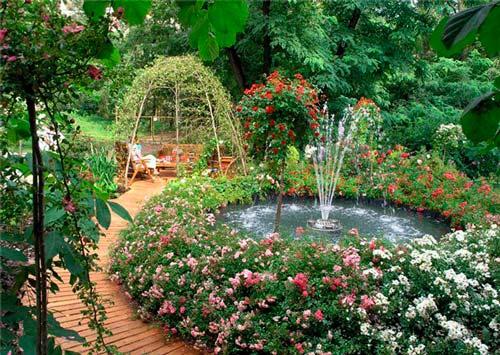 Фонтан - прекрасный способ украсить ваш сад
