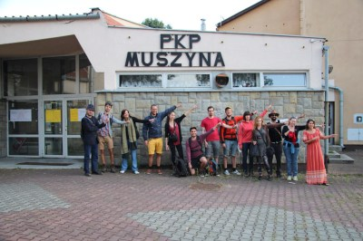 "Arrival on Muszyna's cargo train station. ""Show me the border"" - Photo Seydou Grépinet"