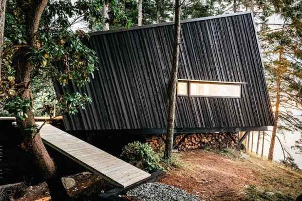 a picturesque off-grid retreat in the rainforest | @meccinteriors | design bites