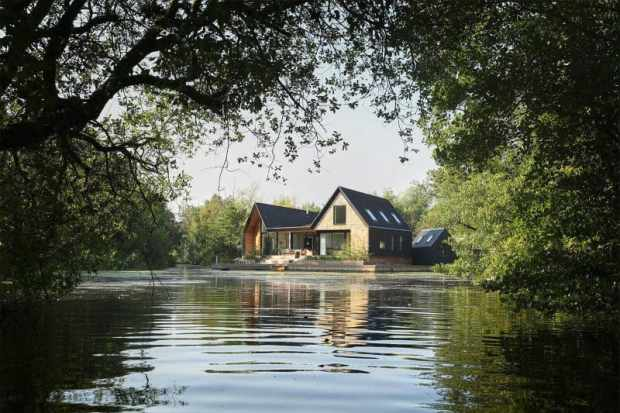 detached eco-house on the norfolk broads | @meccinteriors | design bites