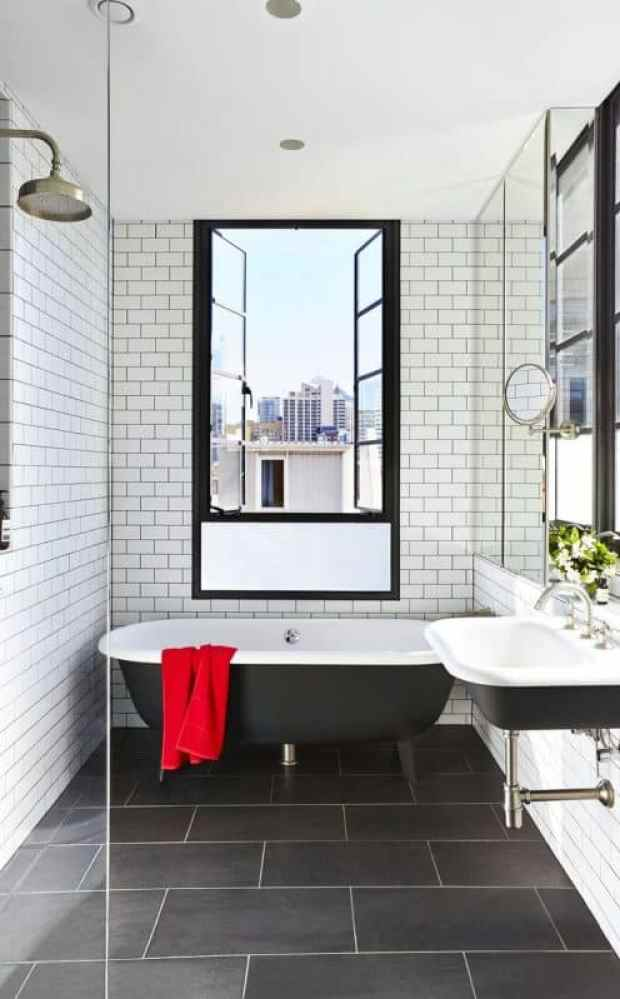 Time to enjoy the classic luxury of monochromatic bathrooms for Monochromatic bathroom designs