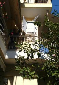 Γενική όψη επιτοίχιου λέβητα  ερμαρίου σε μπαλκόνι
