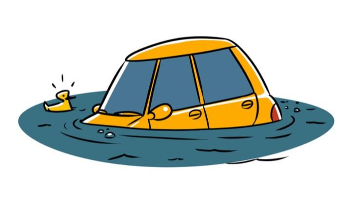車が水没したその後の行動【結論:リスクしかない】|エンジンが完全に水没した場合