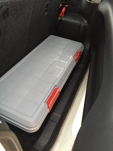 20150210-jb23-rear-luggage04