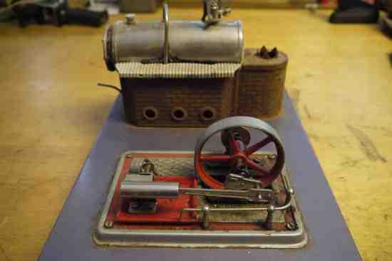 Mini toy steam engine