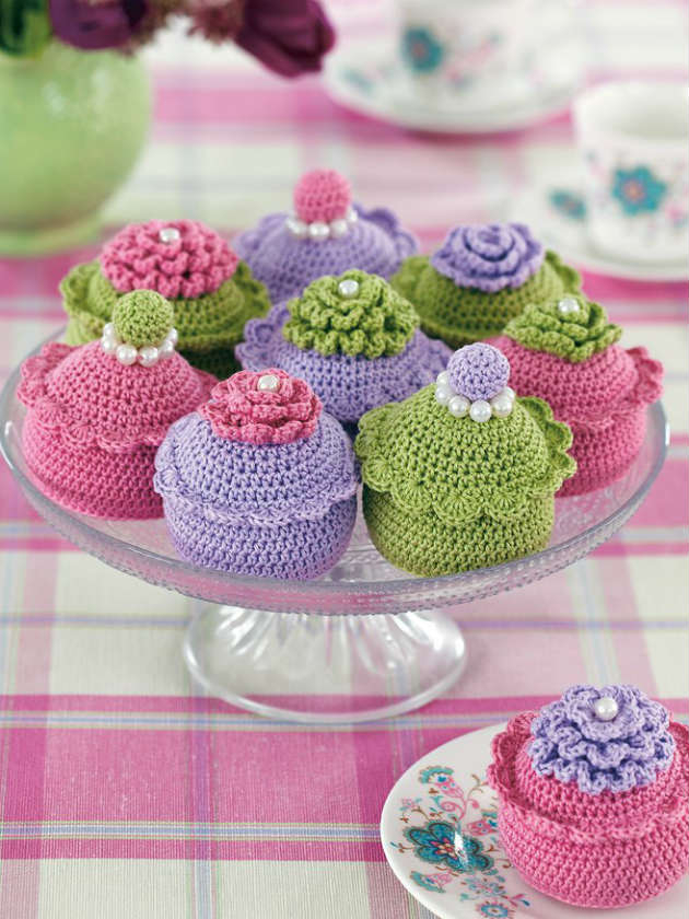 How To Make A Crochet Pattern Knit Cake And Crochet Bakes Watching The Great British Bake Off