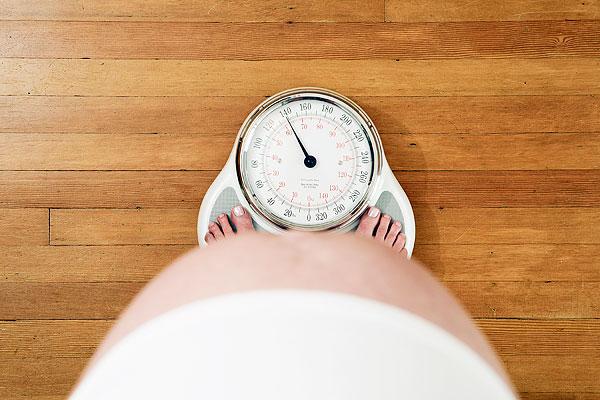 Bà bầu tăng cân nhanh quá mức, phải làm sao?