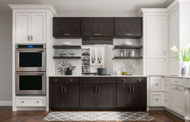 Ellison Flat Panel (FP) maple White Icing Pewter Highlight; Bella quartersawn oak Shale