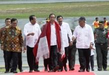 Dalam agenda kunjungan Presiden RI Joko Widodo ke Sumatera Utara (Sumut), Bandara Silangit di Tapanuli Utara, menjadi tujuan kedatangannya kali ini, Sabtu (14/10/2017)