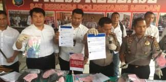 Kedua pelaku berinisal RW alias Mabra (19) warga Jalan Tani Asli Gang Haji Abas dan BP alias Bayu (21) warga Jalan Sei Mencirim, Kompleks Mencirim, Johar II Sunggal, Deliserdang tewas ditembak polisi.