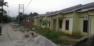 Perumahan Rumah Pondok Tiga yang berada di Jalan Simpang SPP Desa Jaharun A Kecamatan Galang, Jumat (24/11/2017).