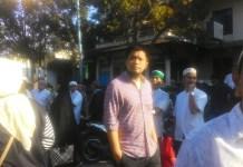 Suami dari ustazah kondang Oki Setiana Dewi yaitu Oy Vitrio saat menghadiri Tabligh Akbar di Masjid Jihad
