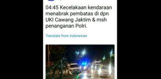 Sebuah mobil minibus yang menabrak separator di kawasan sekitar UKI Cawang, Jakarta Timur, Kamis (21/12/2017).(TMC Polda Metro Jaya)