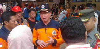 Kepala Badan Nasional Penanggulangan Bencana (BNPB), Willem Rampangilei di Kabupaten Wonogiri, Minggu (10/12/2017).(KOMPAS.com/Labib Zamani)