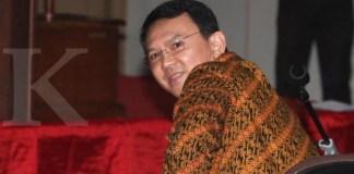 Terdakwa kasus dugaan penistaan agama Basuki Tjahaja Purnama atau Ahok mengikuti sidang lanjutan di Pengadilan Negeri Jakarta Utara, Auditorium Kementerian Pertanian, Jakarta, Selasa (25/4/2017). Sidang tersebut beragendakan pembacaan nota pembelaan atau pledoi dari terdakwa dan kuasa hukumnya. TRIBUNNEWS/IRWAN RISMAWAN
